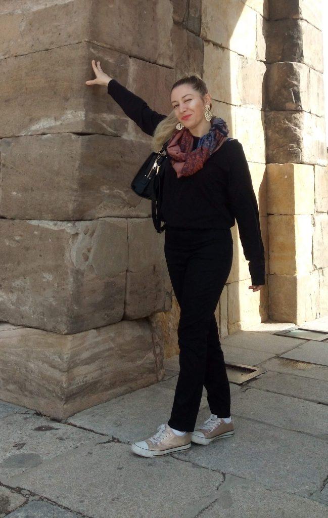 Outfit Total Black con Accesorios