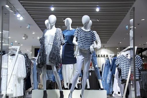 shopping-mall-1316787__340.jpg