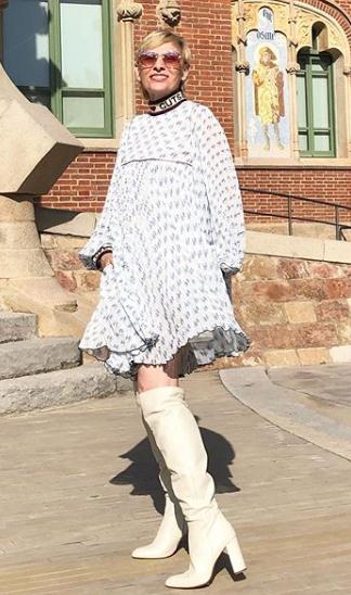 Vestido con botas altas
